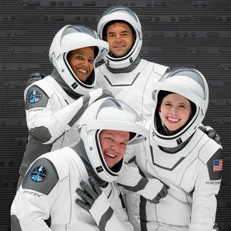 Image depicting SpaceX to send first all-civilian crew into space for 3 days